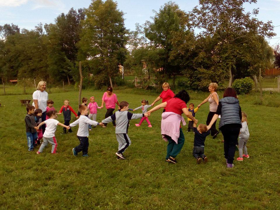 A gyerekek is nagyon élvezték a kinti játékot